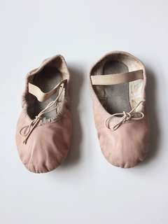 Size 12D Bloch pink ballet shoes