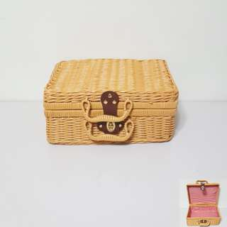 [For Rent] Light Brown Picnic Basket SS014