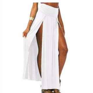 Double slit skirt