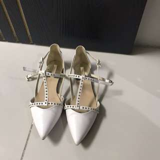 Zara Valentino Insired White Flats Size 37