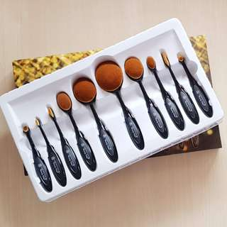 Anastasia Paddle Brush Sale!!!