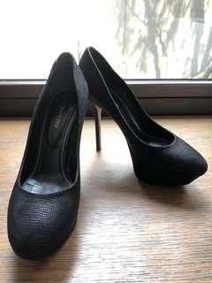 Preloved Sergio Rossi Heels - 14cm super comfy
