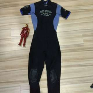 RIP CURL WETSUIT SIZE L12 FOR WOMEN