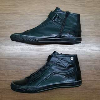 Men's Mid-Cut Black Leather Sneakers