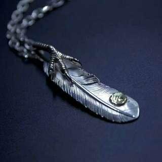 鹰爪羽毛太角链套装,纯银打造。