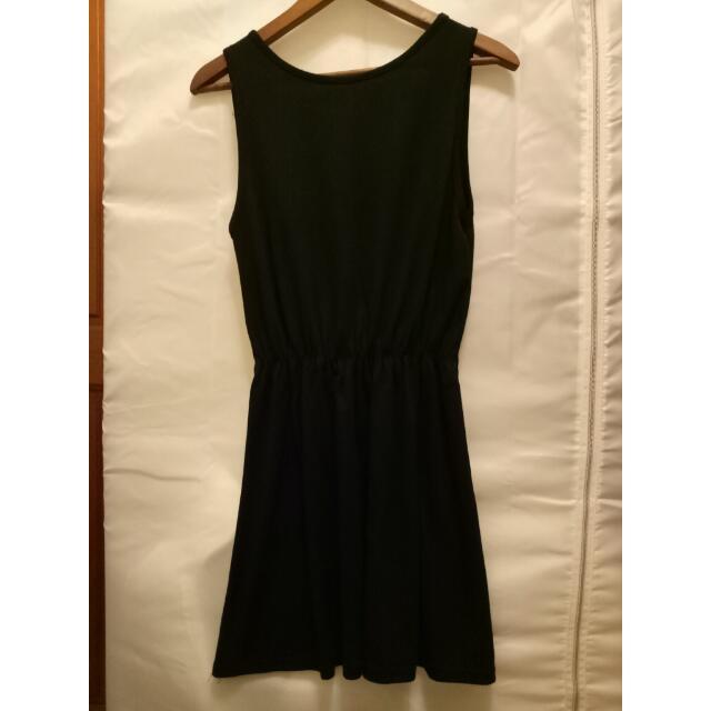 黑色無袖洋裝