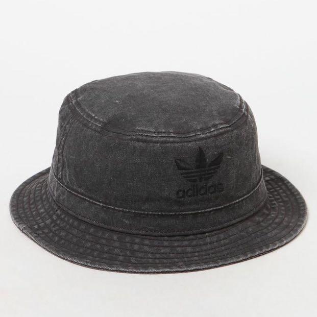 baa7d1e1 Adidas Orignal Denim Bucket Hat, Men's Fashion, Accessories on Carousell
