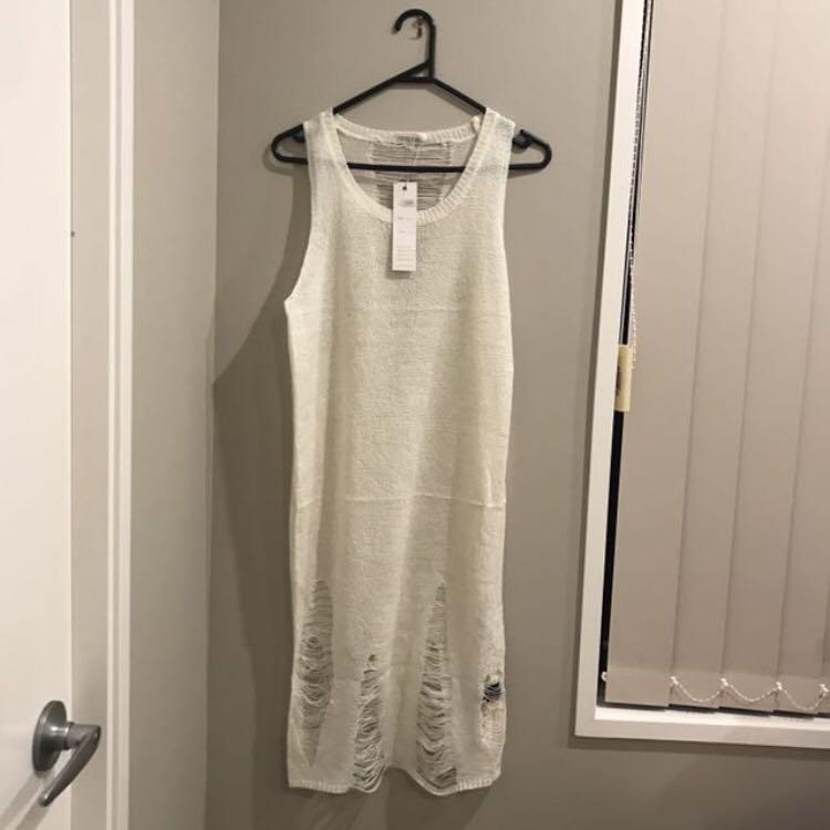 DISTRESSED CREAM KNIT DRESS