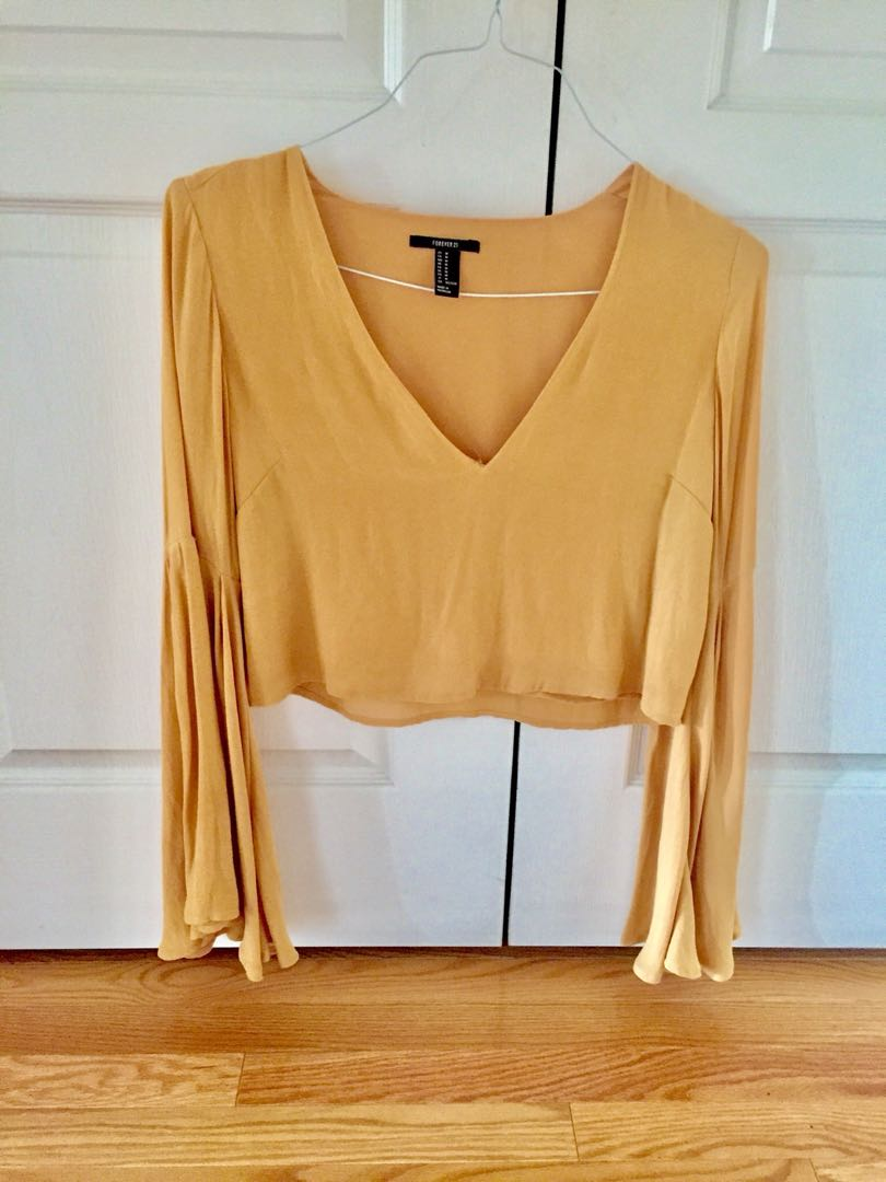 Forever21 Bell Sleeve Crop