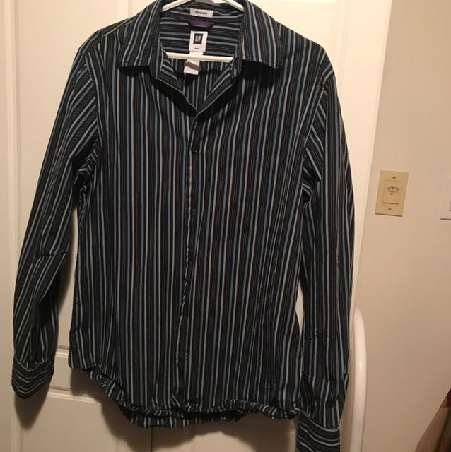 GAP stripped long sleeve button up S L