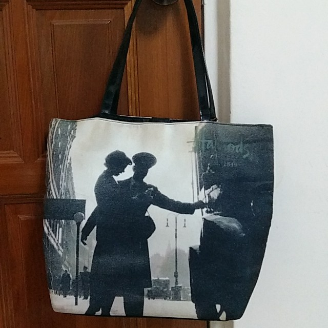 Harrods Bag - authentic (two designs on both sides)