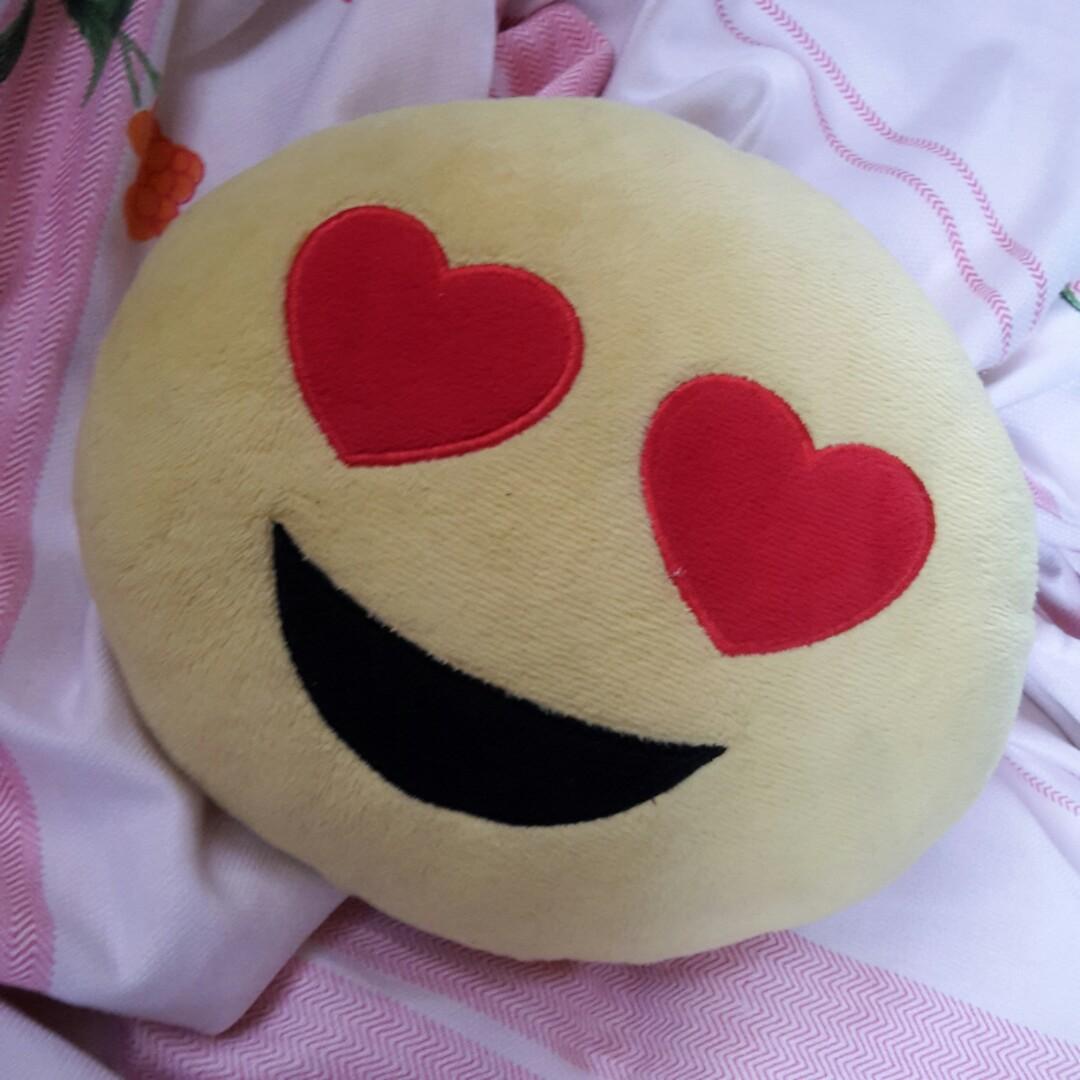 Inlove emoji pillow on Carousell