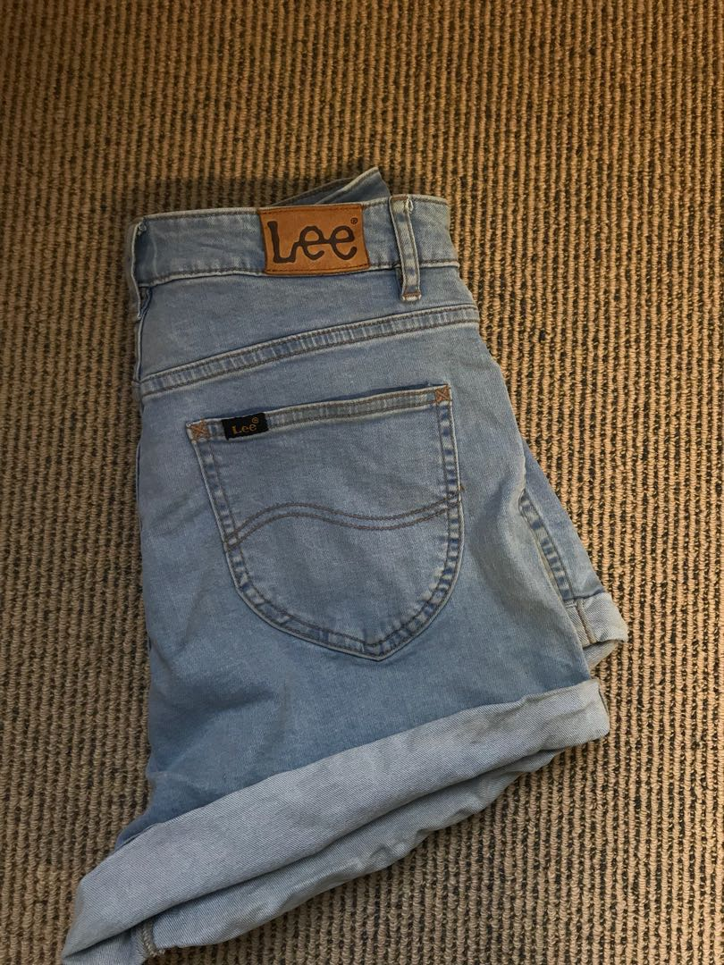 Lee size 10 shorts