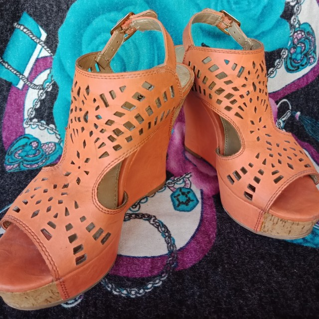 45a22056107 Limelight cork wedges on Carousell