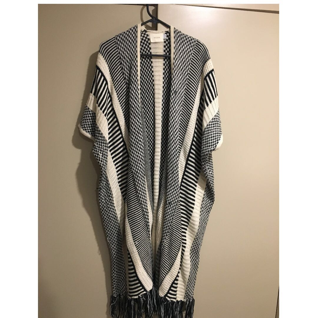 "Long ""Goldie"" knitted poncho"