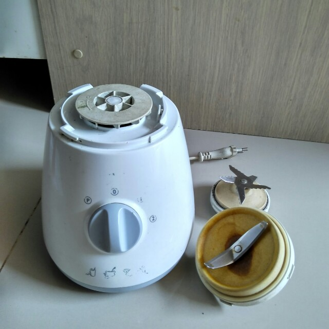 Philips mesin & pisau blender HR2001