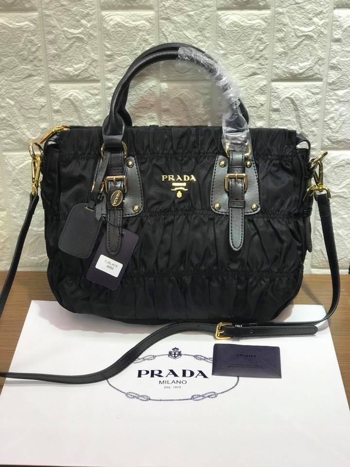 585be3a504d6 ... where can i buy prada tessuto gaufre tote bag luxury bags wallets on  carousell fa1bb f45ea