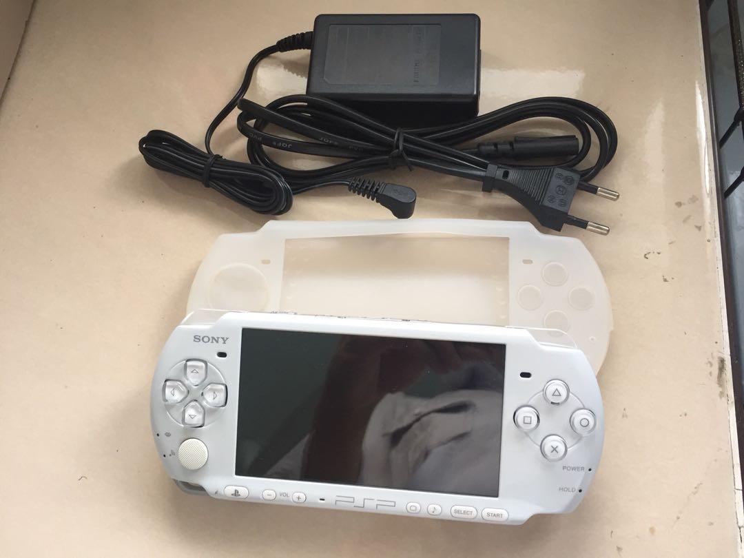 Psp 3000 White Complete Set Full Games Permainan Video Alat Ps Vita Biru Memory 16gb Game Photo