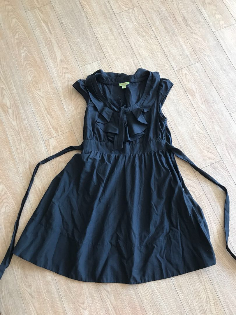 Size 8 small black a line dress with side zip