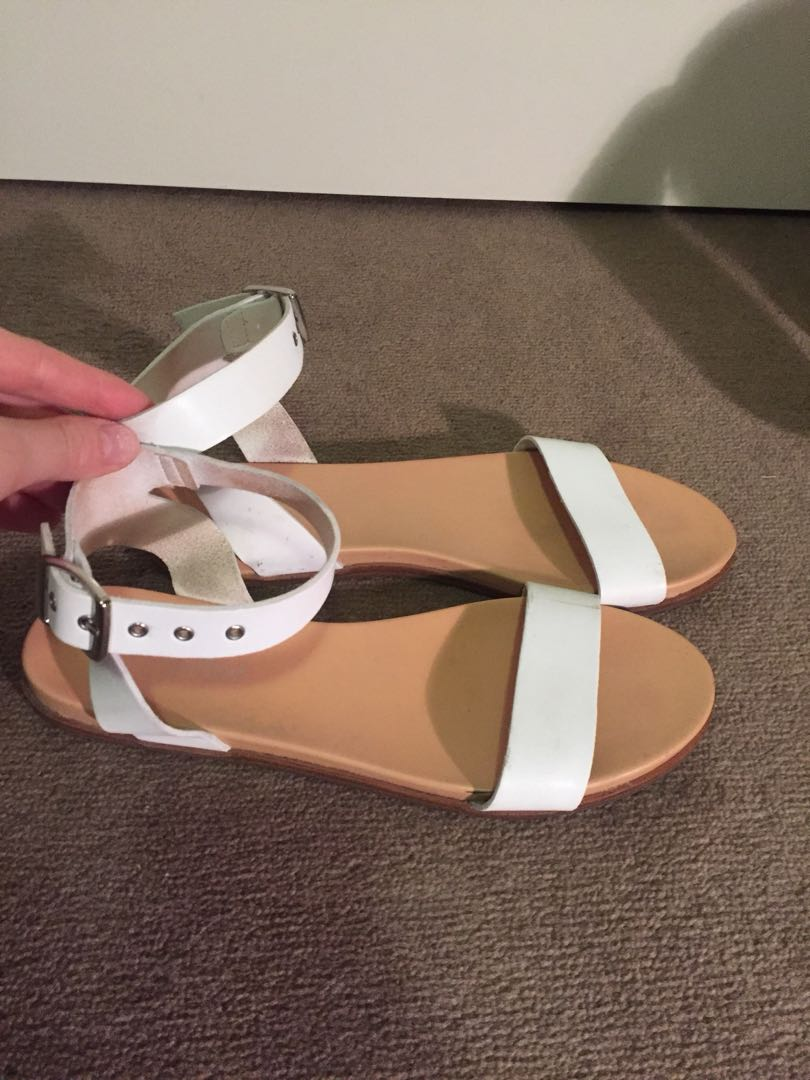 Sportsgirl white sandals with silver buckle