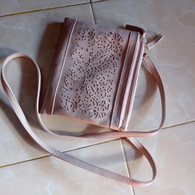 Tas Selempang Crystal Sling Bag Oriflame Women S Fashion Bags Wallets On Carou