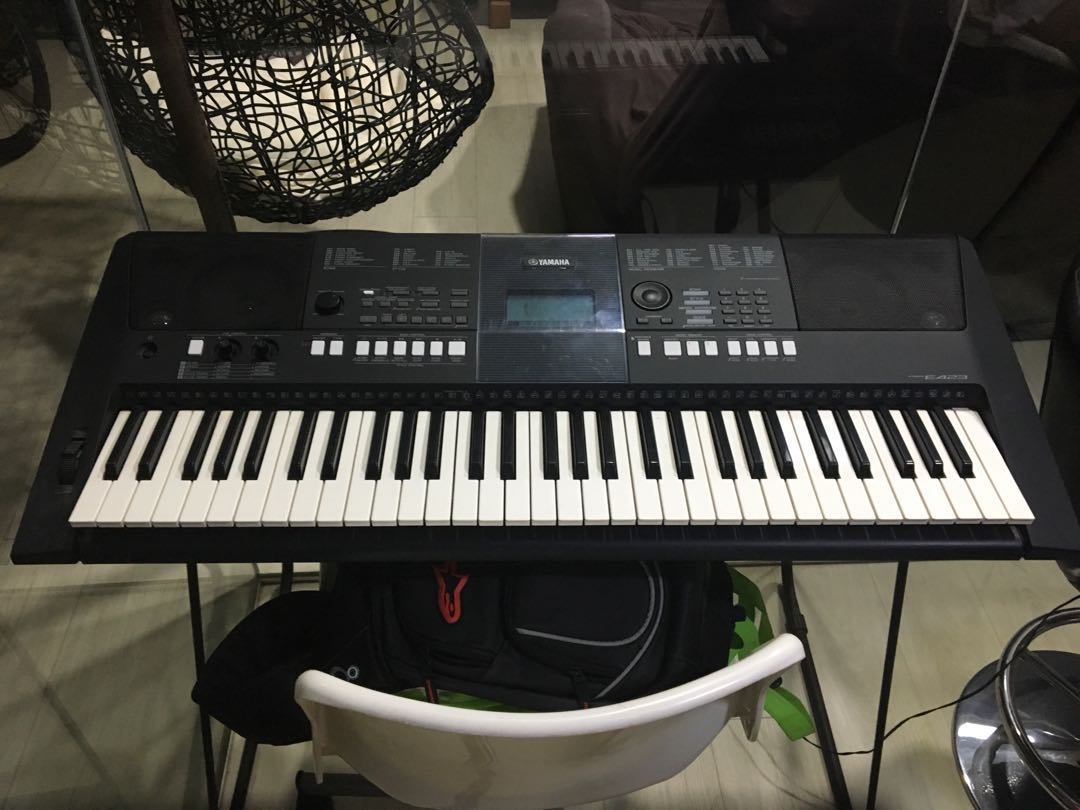 Yamaha piano psr E423, Music & Media, Music Instruments on