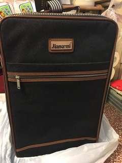 行李箱及手提袋