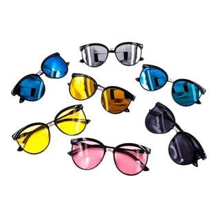 Trendy Sunnies + FREE Pouch & Wiper