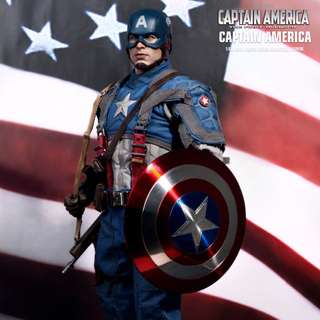 HOT TOYS CAPTAIN AMERICA: THE FIRST AVENGER CAPTAIN AMERICA 1/6TH SCALE MMS156