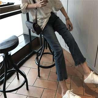 全新 女裝 R939756 秋季高腰顯瘦磨破牛仔褲子簡約九分微喇褲學生