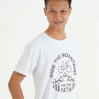 Kaos warna putih