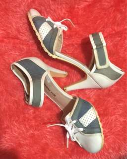 Korean Fashion Shoes (Size 5 1/2)