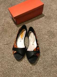 Batik Leather Flat Shoes