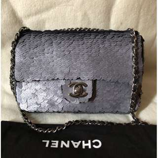 CHANEL gray sequin paillete small flap bag (#15)