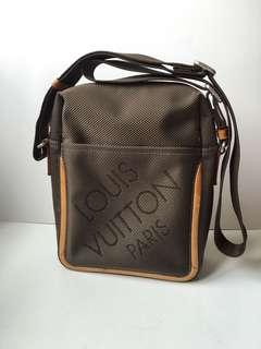 Authentic Louis Vuitton Damier Geant Citadin Messenger Bag