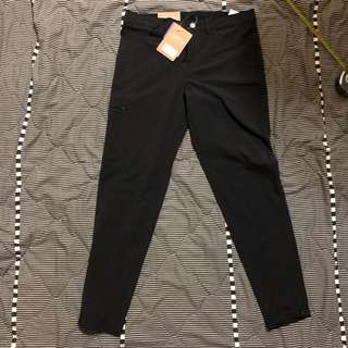 Patagonia pants size 4 =30/36 new with tag