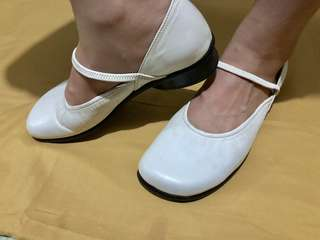 Ballet flat Shoes (Size 5 to 5 1/2)