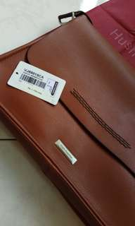 Hush Puppies utk Laptop 12""