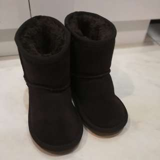 Winter Boots suitable for both boy and girl