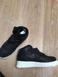 Nike Air Force 1 Mid Top Black
