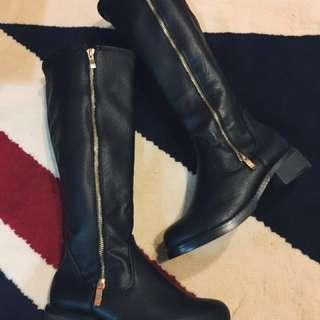 🚚 (降價)全新-帥性女孩必備皮革長馬靴-黑 35