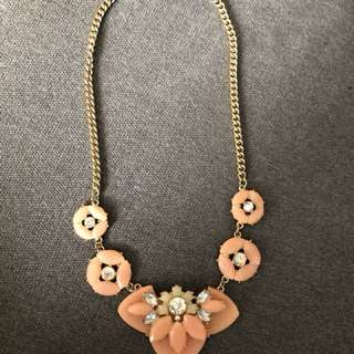 Brand new WOMENS costume necklace