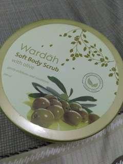 Wardah soft body scrub with olive