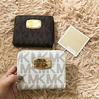 Michael Kors small wallet made in China Pls don't ask anything kung not serious buyer ty