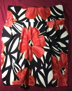Pleated floral skirt (size-Large)