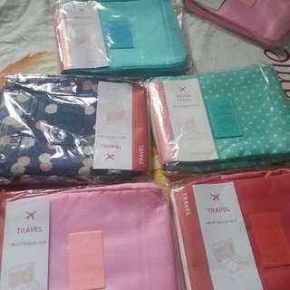 Travel pouch organizer