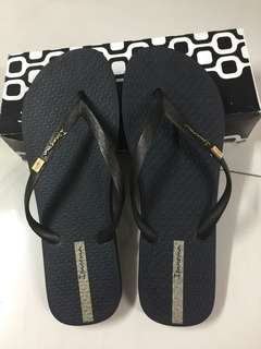 Ipanema slippers. Authentic! Worn once only. Like new pa.