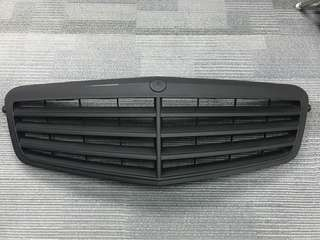 W212 original front grille with black painted