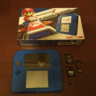 Modded Nintendo 2DS + 32GB MicroSD (Full of Games) + USB Cable + Extras