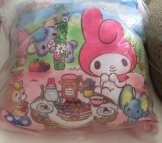 My melody reversible cushion